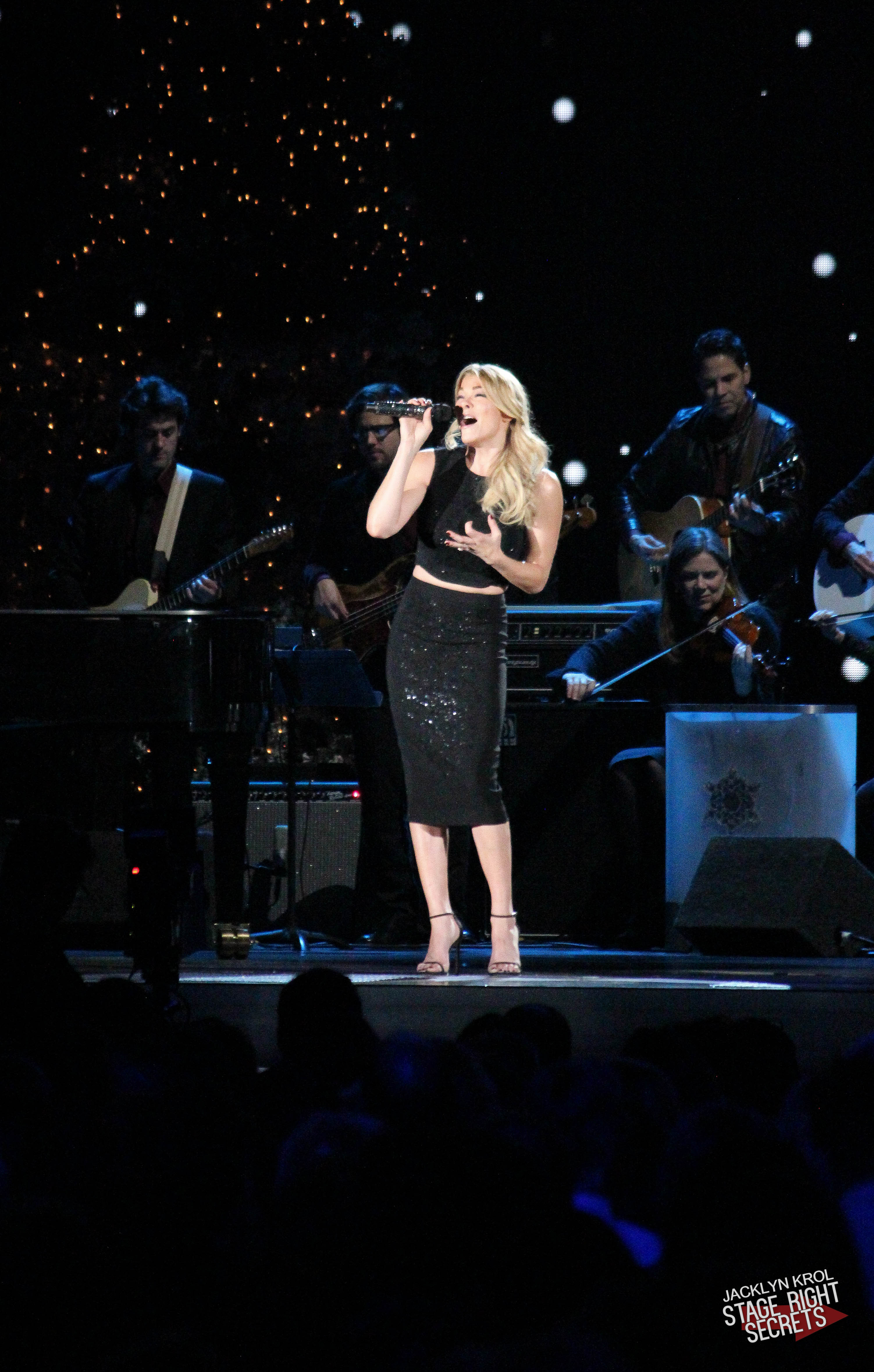 leann rimes cma country christmas stage right secrets. Black Bedroom Furniture Sets. Home Design Ideas
