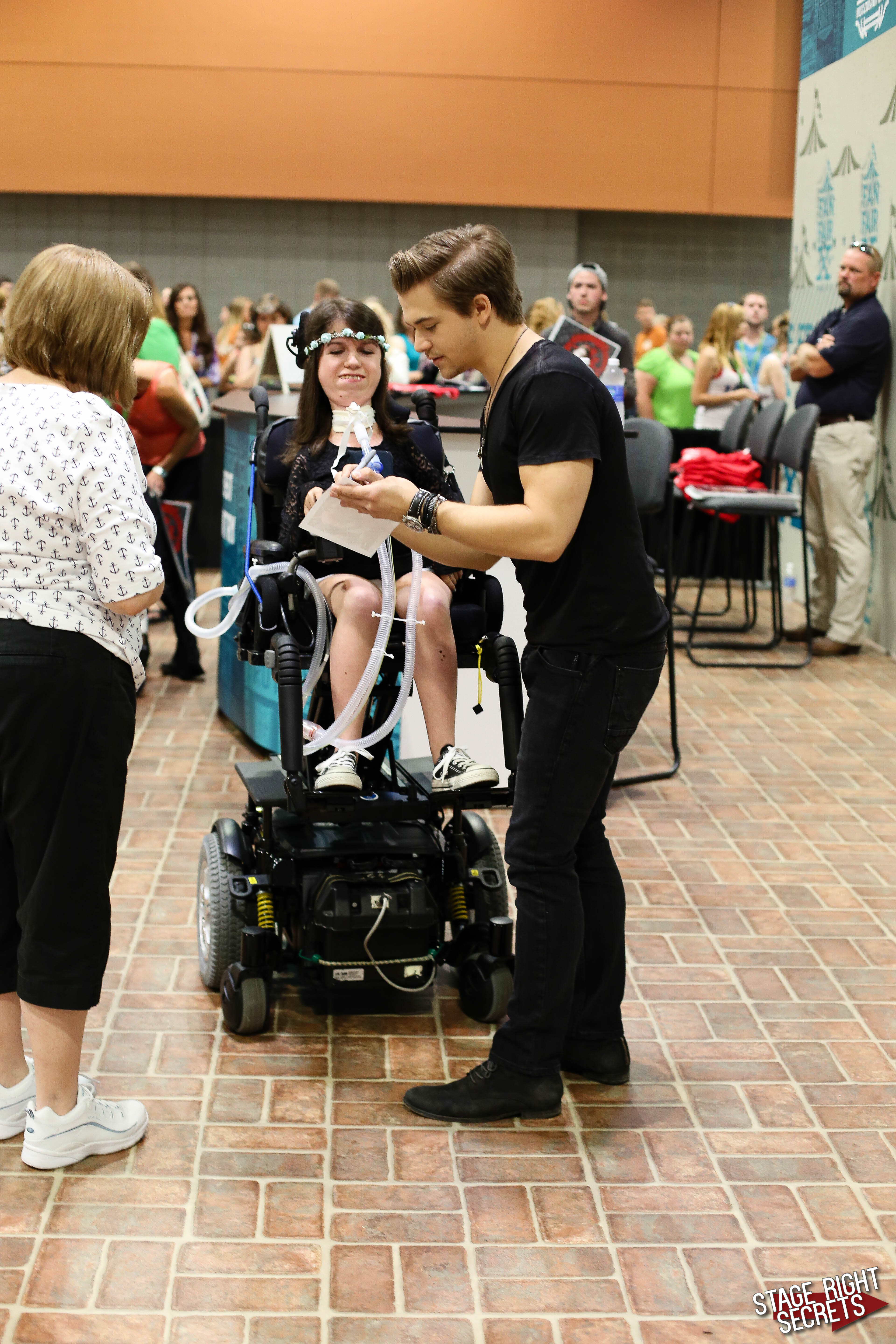 Hunter Hayes Meet And Greet Gallery And Video Stage Right Secrets