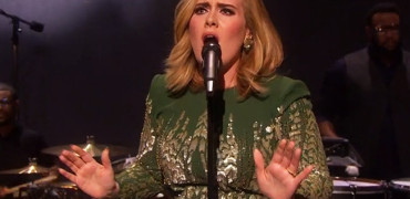 "Adele's Epic First Performance of ""Hello"" – Watch"