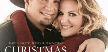 "Garth Brooks and Trisha Yearwood Drop ""Christmas Together!"""