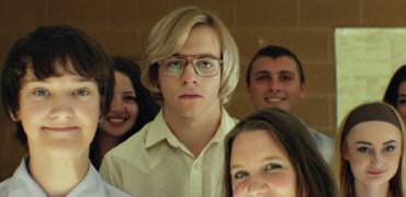 "WATCH: Ross Lynch Stars As Jeffrey Dahmer In New ""My Friend Dahmer"" Trailer!"
