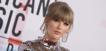 AMAs Red Carpet  Best Dressed Photo Gallery