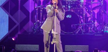 Alessia Cara Stuns at iHeartRadio's Jingle Ball Chicago